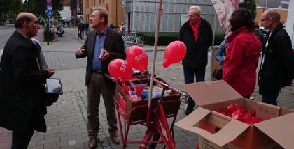 Jochen Köhnke in Hiltrup: OB-Wahlkampf auf der Marktallee