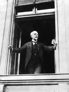 Philipp Scheidemann ruft die Republik aus (9.11.1918)