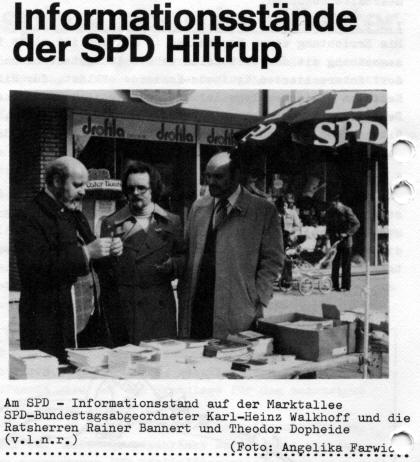 Infostand auf der Marktallee mit MdB Walkhoff und den SPD-Ratsherren Rainer Bannert und Theodor Dopheide (Juni 1976)