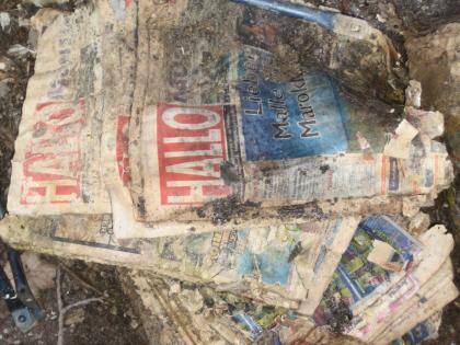 Alle Jahre wieder: Packen von Anzeigenblättchen im Wald