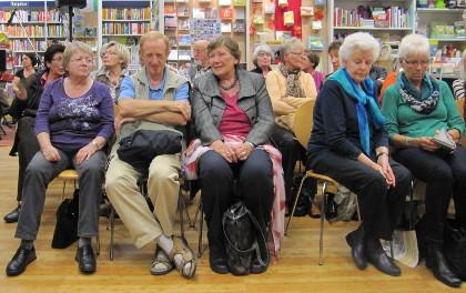 Volles Haus in der Hiltruper Buchhandlung: Mord im VorleseClub