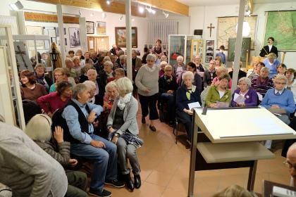Volles Haus im Museum: fast 90 Zuhörer kamen zum VorleseClub